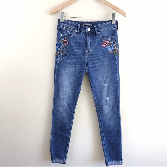 43f79ab1816 Abercrombie   Fitch Denim - Abercrombie   Fitch Floral Embroidered Skinny  Jean